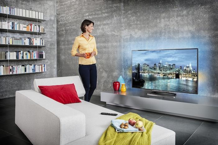 tp vision unveils philips 9000 series ultra hdtvs hugh 39 s news. Black Bedroom Furniture Sets. Home Design Ideas